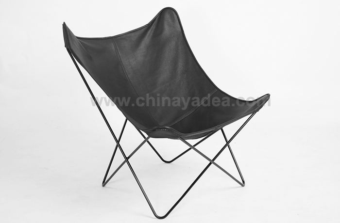Butterfly Lounge Chair in Leather