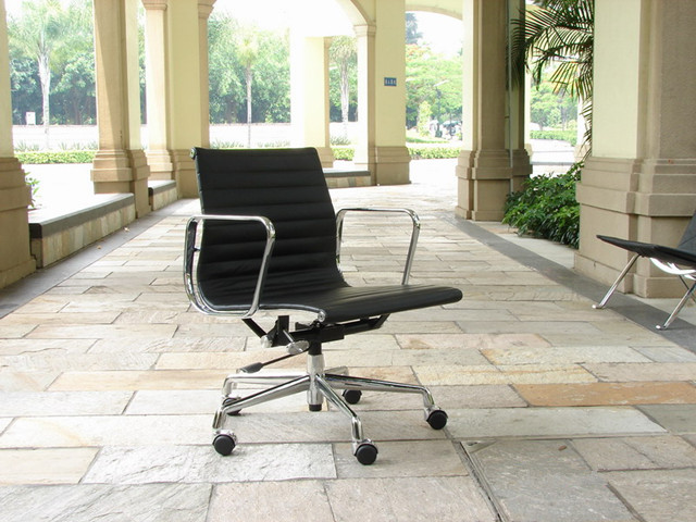 Eames Aluminum Group Chair - Eames Management Office Chair