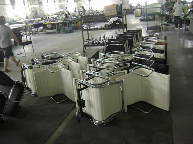 Eames Aluminum Group Chair factory