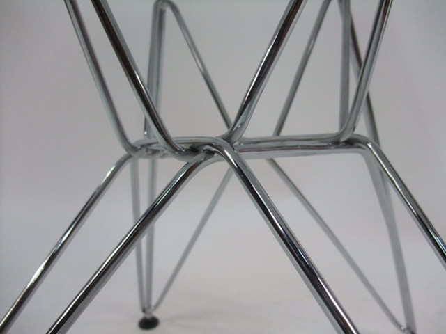 Eames DSR - Eames Molded Plastic Chairs