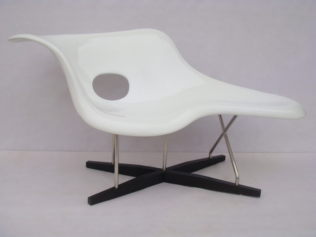 Eames la chaise chair charles and ray eames news yadea for Reproduction chaise eames