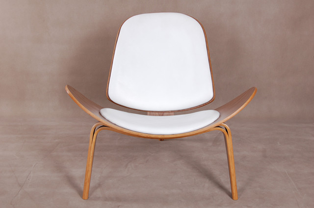 Hans J. Wegner Three-legged Shell Chair