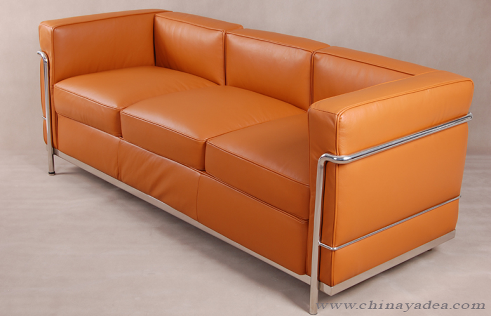 Le Corbusier Chaise Lounge LC2 Sofa