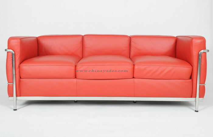 Le Corbusier LC2 3-Seat Sofa in Red Leather
