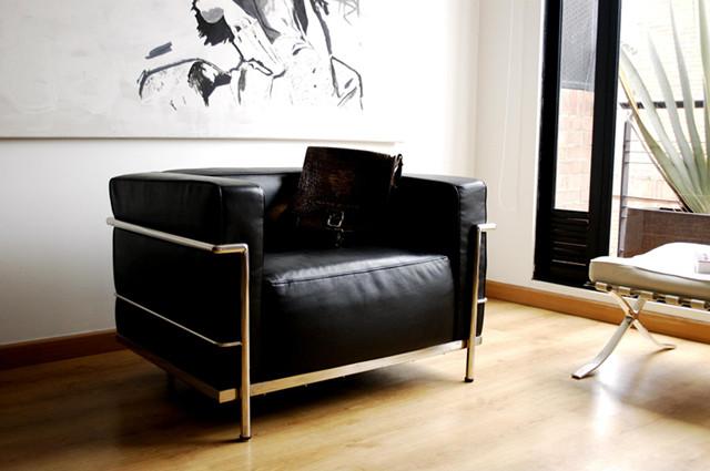 Le Corbusier Lc3 Armchair In Black Leatherle Corbusier Grande Sofa