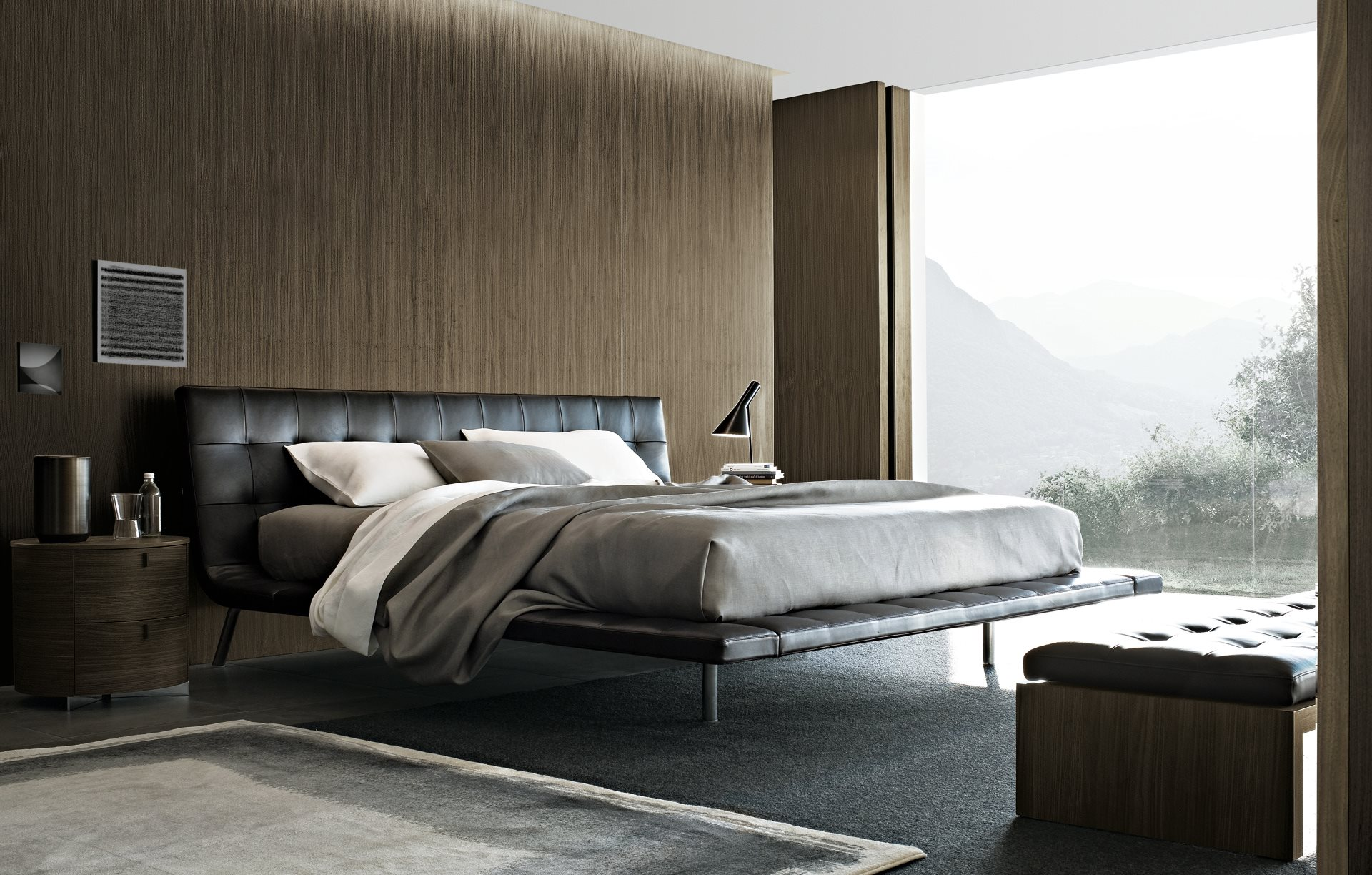 Onda Bed in Leather