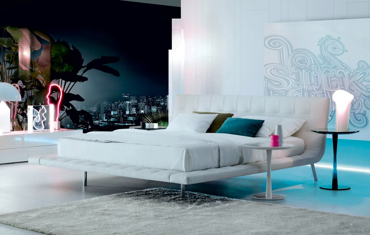 Onda Bed in White Leather