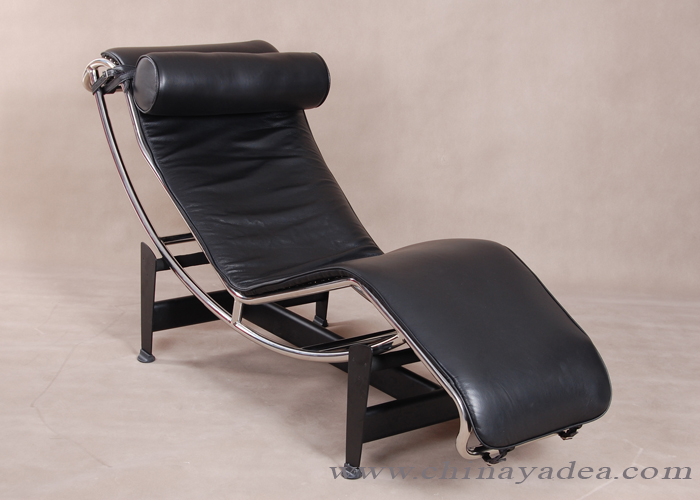 Replica Le Corbusier LC4 Chaise Lounge