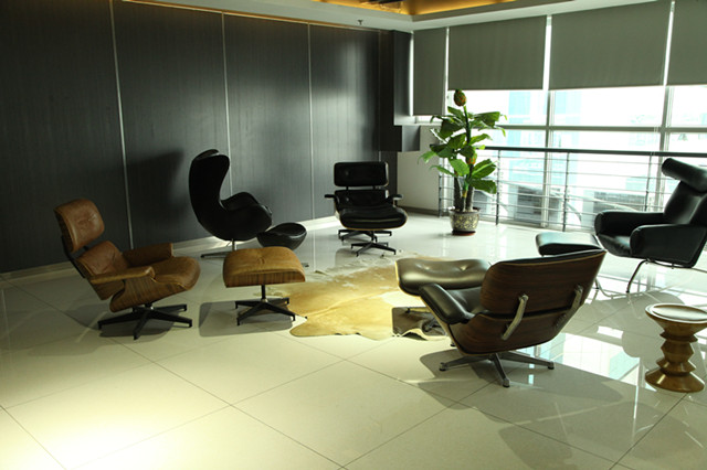 Vintage Eames Lounge Chair In Our Modern Showroom