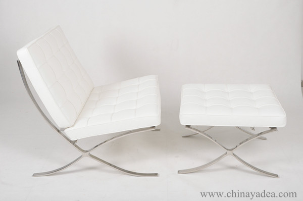 Barcelona chair in White