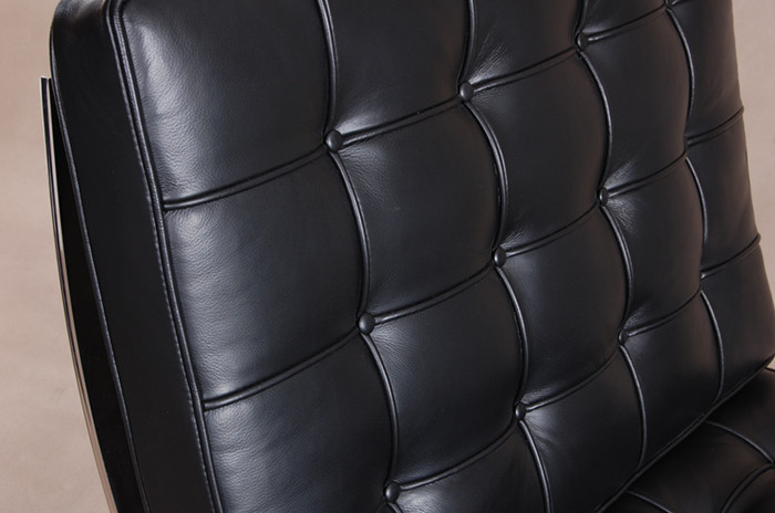 barcelona chair in leather