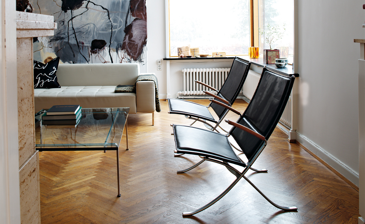 FK 82 X-Chair by Fabricius & Kastholm