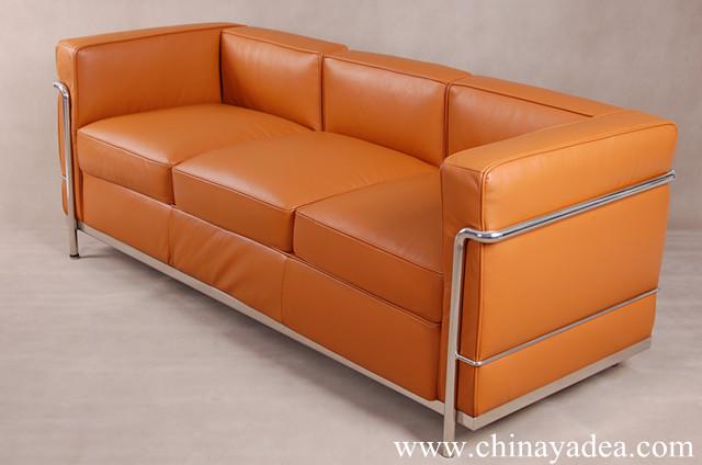 le corbusier lc2 sofa light brown leather replica cassina. Black Bedroom Furniture Sets. Home Design Ideas