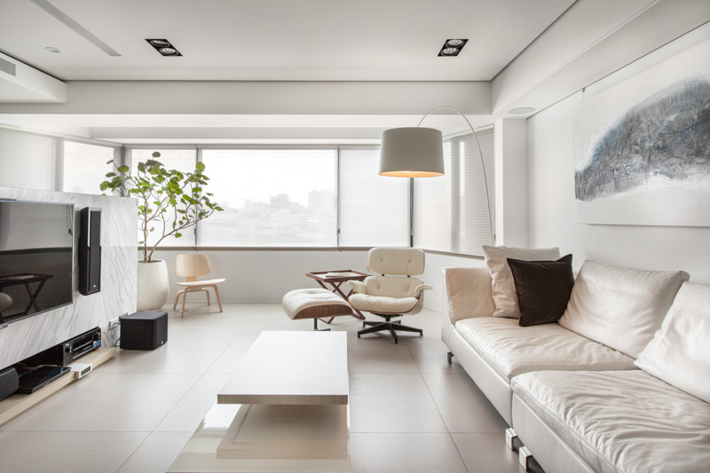 how to keep white leather lounge clean