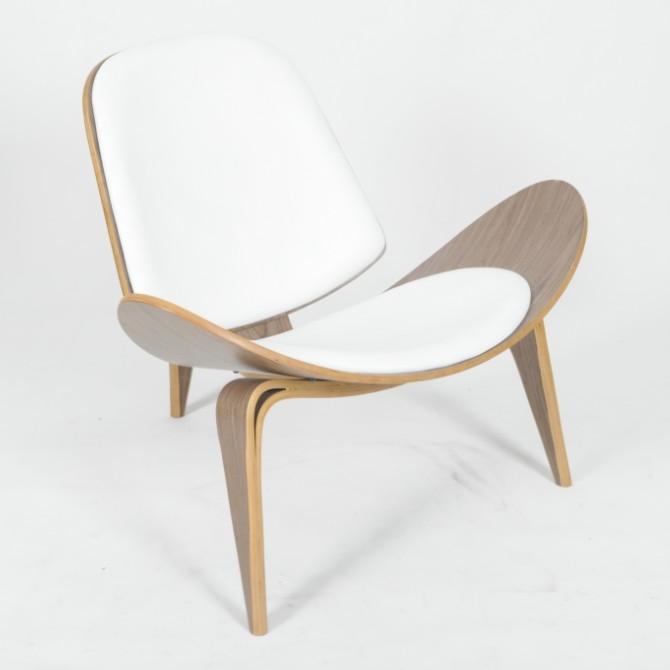 Charming Hans J. Wegner CH07 Shell Chair CF814