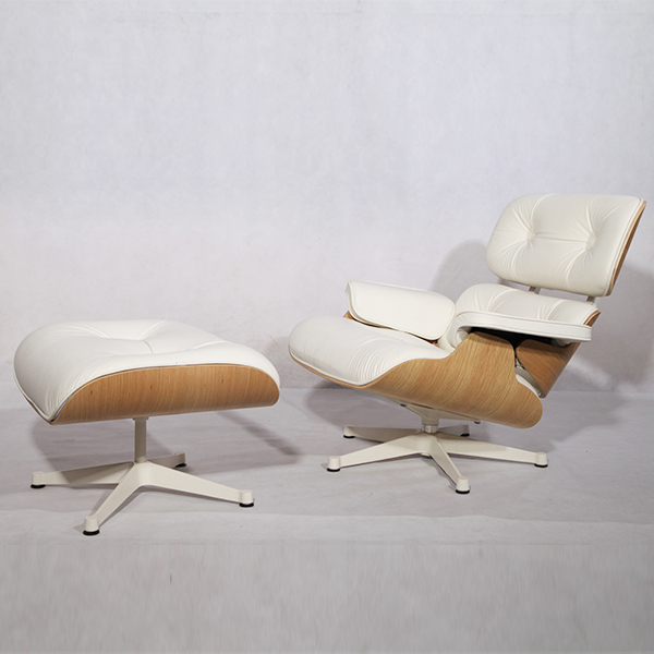 White leather Herman Miller Eames Lounge Chair And Ottoman